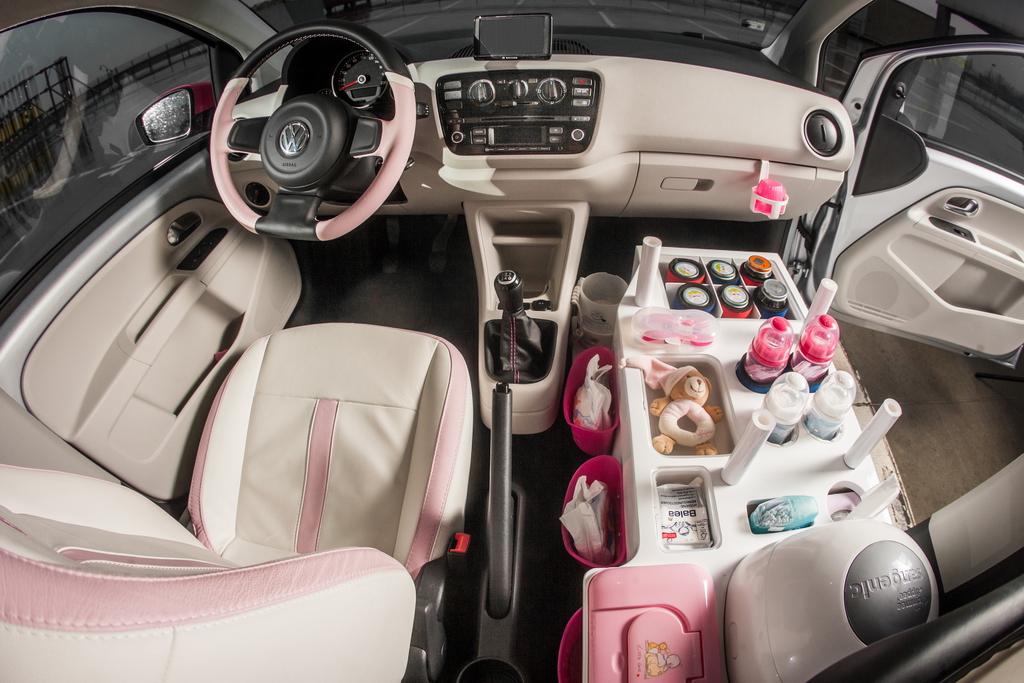 Интерьер Volkswagen Mama up!