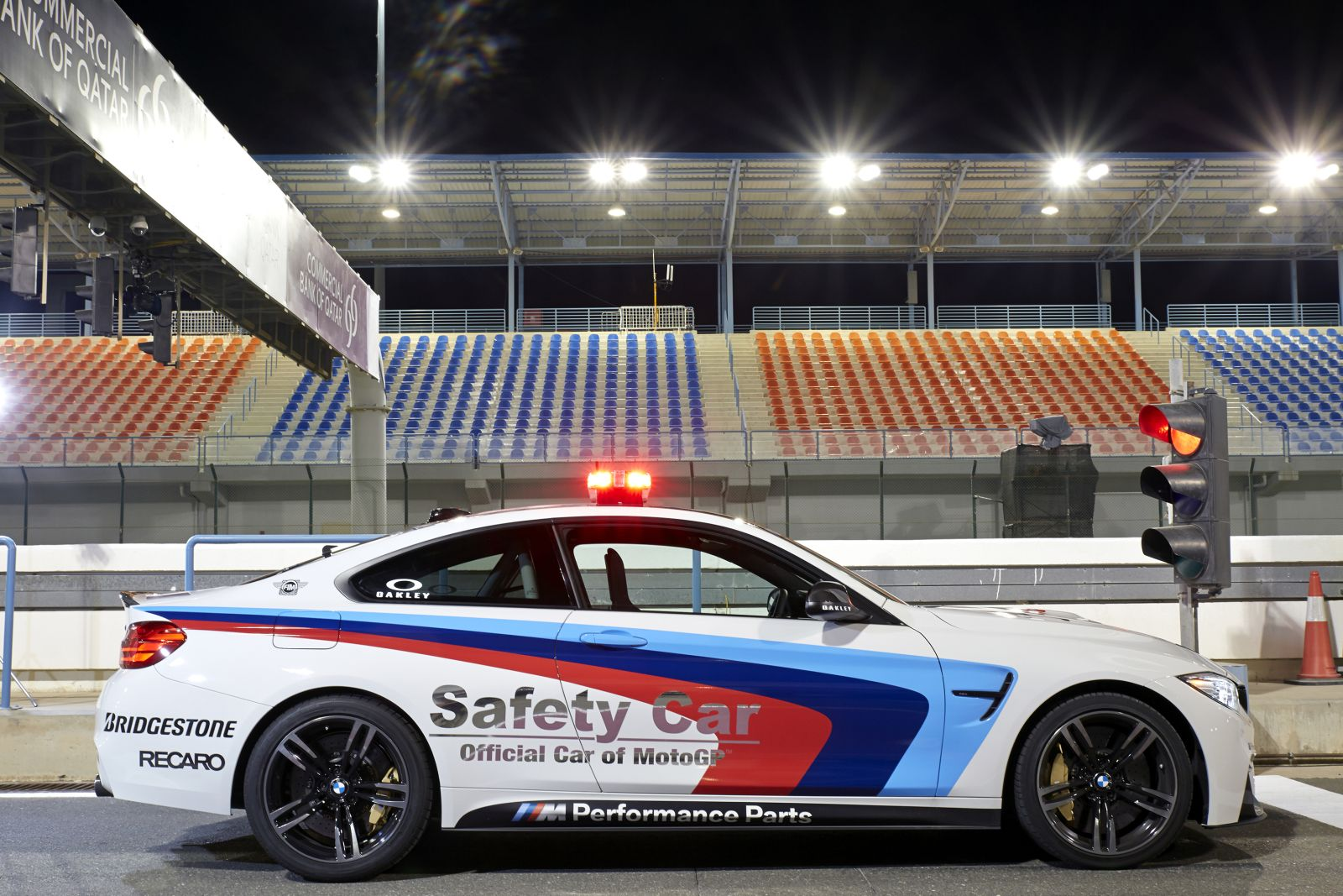 bmw-m4-safety-car-moto-gp-bridgestone-Pitlane-Qatar