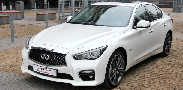 test-infiniti-q50s-hybrid-awd-at-p1