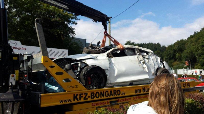 nurburgring-nehoda-renault-megane-rs
