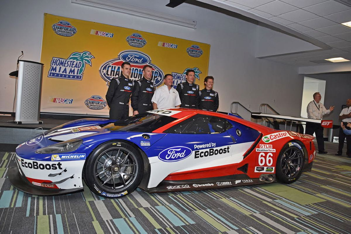 Ford-Chip-Ganassi-Racing-ridici-Ford-GT