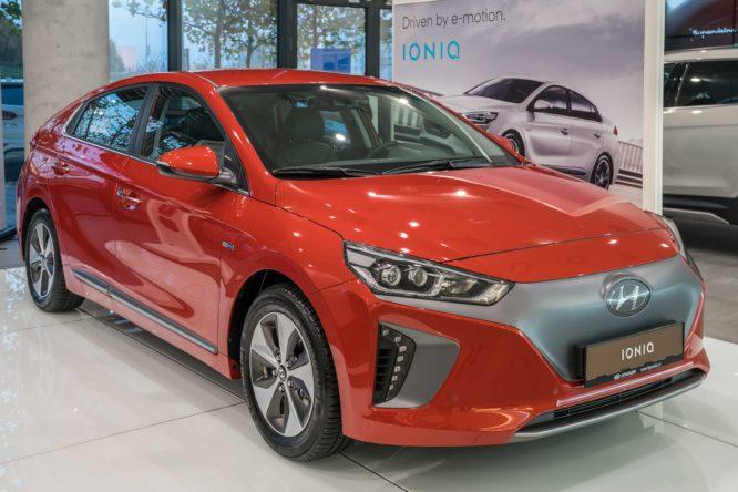 Hyundai IONIQ Electric a Hybrid přicházejí na český trh, Plug-in hybrid dorazí na jaře