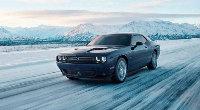 Dodge Challenger GT AWD jako netypický americký muscle car – video